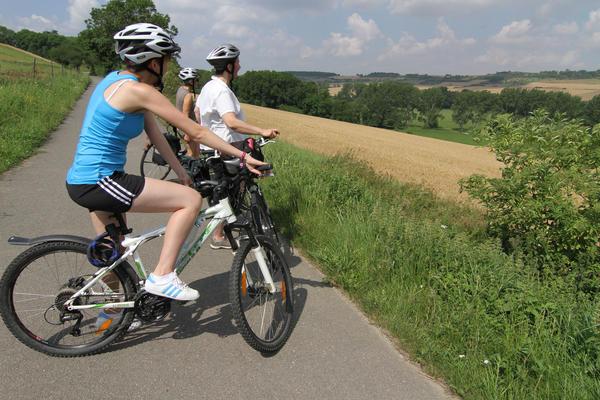 Drei Radfahrer bei Stadtilm